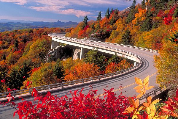 Blue Ridge Parkway - Fall Trips 2020 - Trend Magazine Online